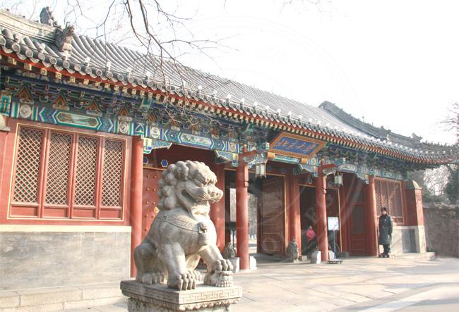 北京大学大门